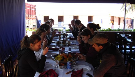 repas collectif - Skhirat - stage clinic ostéo équine Maroc